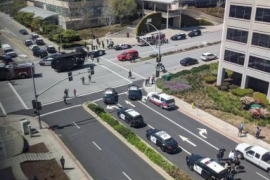 Al menos un muerto y cuatro heridos en un tiroteo en la sede de YouTube