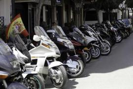 60 motos de toda España recorren la isla durante cuatro días