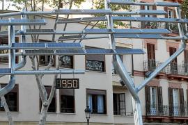 El reloj solar de Vara de Rey vuelve a estar operativo tras el 'apagón' de Semana Santa