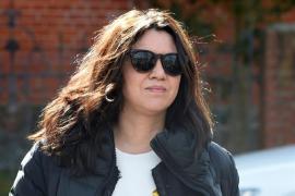 Carles Puigdemont recibe en la cárcel la visita de su mujer