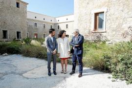 Marí Bosó culpa al Consell d'Eivissa y a Vila del retraso en las obras del Parador