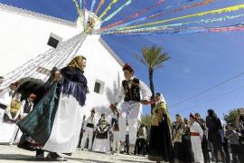 Explosión de color para celebrar el día grande de Sant Vicent de sa Cala