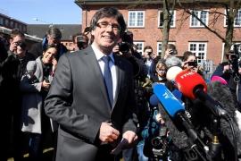 """Puigdemont pide al salir de prisión diálogo y tilda de """"vergüenza"""" para Europa tener """"presos políticos"""""""
