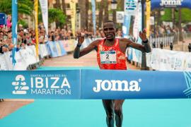 Kenia vuela en Ibiza