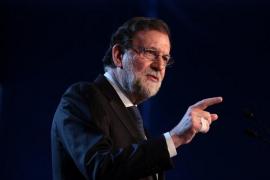 """Rajoy dice que España es """"ejemplo"""" de libertad y respeto a los derechos y que la crisis catalana terminará pronto"""