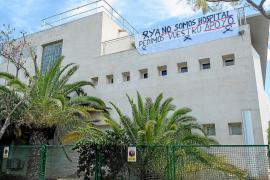 Pancartas y recogida de firmas para que el hospital residencia Cas Serres se mantenga