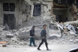 Al menos catorce muertos en un ataque con misiles contra un aeródromo militar en Homs (Siria)