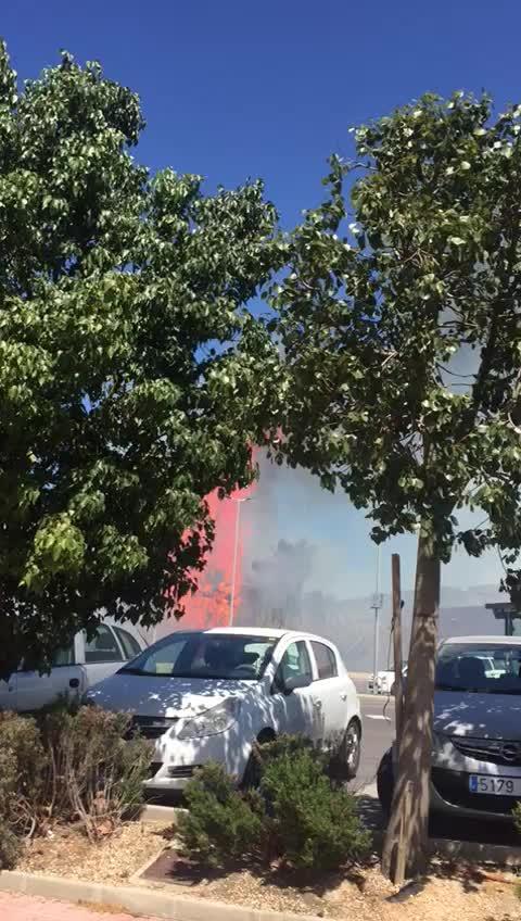 Sobresalto por un incendio en Sant Antoni