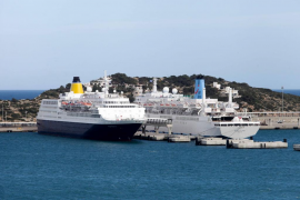 El puerto de Vila recibe dos cruceros el mismo día
