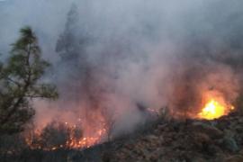 El incendio de Granadilla (Tenerife) sigue sin estar controlado