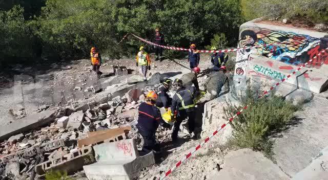 Los bomberos de Ibiza se preparan para contar con una unidad canina de rescate especializado