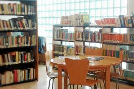 Los vecinos de Cala de Bou reclaman que la biblioteca vuelva a ofrecer horario de mañana y tarde