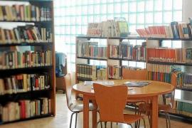 Los vecinos de Cala de Bou piden que la biblioteca vuelva a ofrecer horario de mañana y tarde