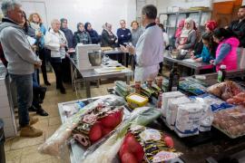 El CEPA Sant Antoni enseña a sus alumnos a cocinar platos saludables sin azúcar ni sal