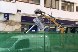 El PP critica que las obras de los contenedores de la avenida España coincidan con el inicio de la temporada