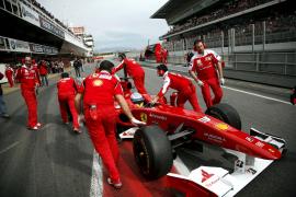 Una avería relega a Alonso al séptimo puesto en Montmeló