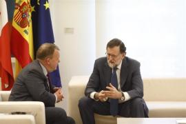 """Rajoy dice que Cifuentes ya ha dado explicaciones y pide """"coherencia"""" a los demás: """"Consejos vendo y para mí no tengo"""""""