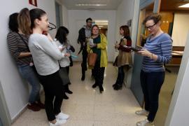 Sanitarios pitiusos se examinan de catalán en la convocatoria de la EBAP