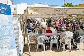 Los vecinos de Sant Jordi se vuelcan con Manos Unidas y contribuyen al éxito de la comida solidaria
