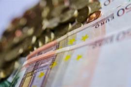 La deuda pública alcanza nuevo máximo al subir en 12.164 millones en febrero y se sitúa en el entorno del 99%
