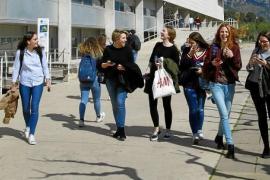 Predominio de mujeres entre las nuevas matriculaciones de la UIB