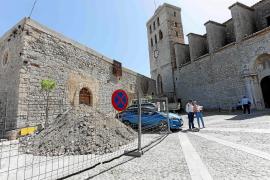 Encuentran fragmentos de la pavimentación tradicional en las obras de rehabilitación de la calle Soledat