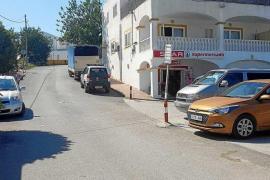 Tres años de cárcel para el joven que robó 14.000 € con un violento tirón en Sant Rafel