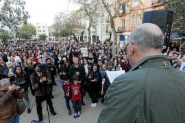Más de 500 personas protestan por la masificación turística en las Pitiusas