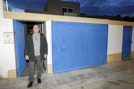 El propietario del 'chalé patera' asegura que el negocio «sigue en marcha»