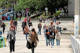 El 45,3 % de los aspirantes a auxiliar del Govern aprueba el primer examen