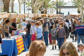 Los nuevos escritores de la isla se hacen sitio en el Día del Libro en Santa Eulària