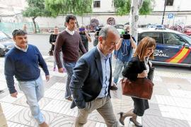 Jaume Ferrer descarga la responsabilidad del bolsín sobre las conselleras Silvia Tur y Sònia Cardona