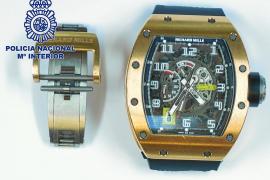 Detenido en Sant Antoni un hombre buscado por el robo de un Rolex de 400.000 euros