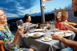 Un verano lleno de gastronomía y buen ambiente en Blue Marlin Ibiza