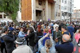 Cerca de 300 personas protestan por la sentencia de 'La Manada'