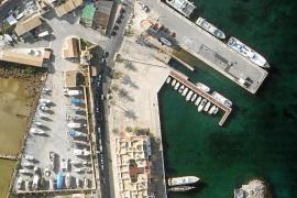El Consell de Formentera guarda silencio sobre el nuevo varadero en el puerto de la Savina