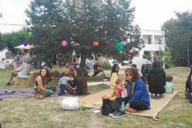 Ocio al aire libre con el mercadillo de primavera de Waldorf Ibiza
