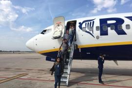Un vuelo de Ibiza a Barcelona operado por Ryanair sufre un retraso de 11 horas