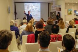 Éxito de participación en la subasta solidaria de APNEEF llevada a cabo en el Hotel Pachá