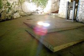 EPIC pide cambiar unos focos que iluminan la muralla de Vila en es Soto para evitar caídas