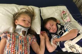 El emotivo reencuentro entre dos hermanos que sufreiron un accidente en el que murieron sus padres