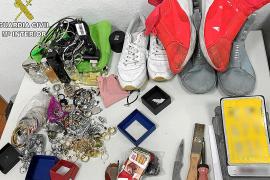 La Guardia Civil detiene a un joven como autor de varios robos en Sant Antoni