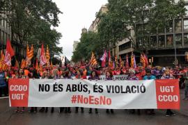 Empieza la manifestación de UGT y CC.OO. en Barcelona con miles de personas