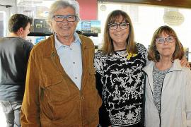 Joan Ramon Bonet, Maria del Mar Bonet y Ana Maria Ensenyat.