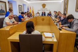 El pleno del Ayuntamiento de Santa Eulària, en imágenes (Fotos: Marcelo Sastre).
