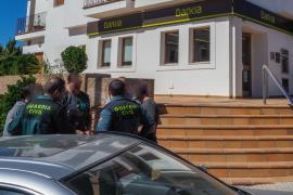 Las fuerzas de seguridad buscan a los autores del atraco a mano armada en un banco de Santa Gertrudis