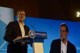 """Rajoy dice que """"lo último"""" que necesita la Comunitat Valenciana es seguir """"el ejemplo"""" de """"división"""" de Cataluña"""