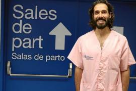 Juan Antonio Rosa: «La mayoría de los hombres se emocionan y viven de manera intensa el parto»