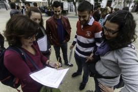 Unos 130 estudiantes realizan una yincana en Dalt Vila