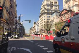 Corte y desalojo en la calle Alcalá de Madrid por un escape de gas